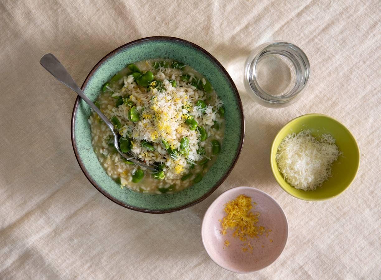 Risotto met tuinbonen, citroen en pecorino