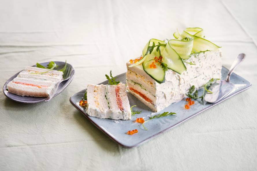 Smörgåstårta (Zweedse sandwichtaart)