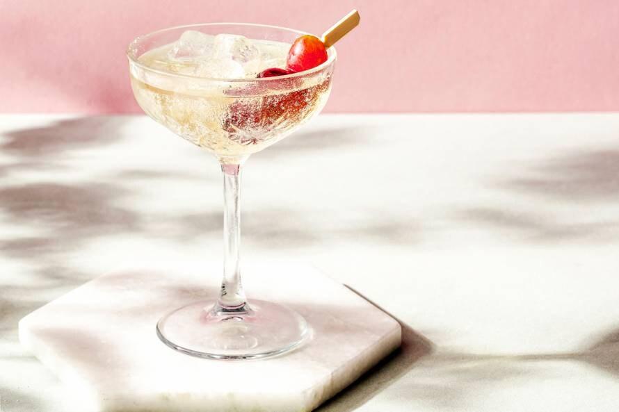 Mocktail met (rode) druif en vlierbloesem (advertorial)