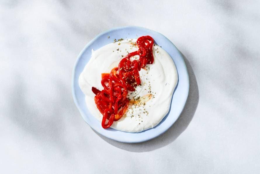 Whipped feta met gegrilde paprika
