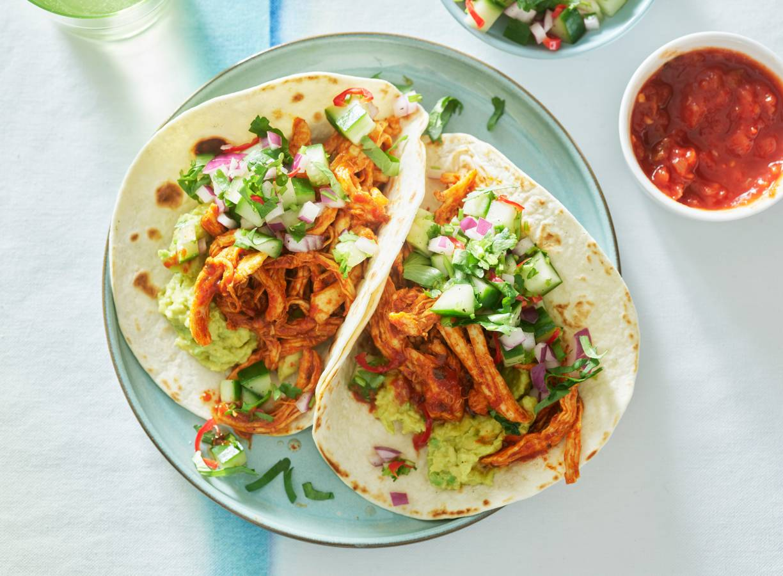 Taco's met kruidige kip en frisse salsa