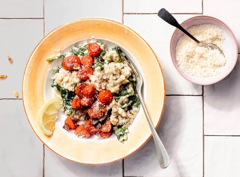 Snelle risotto met spinazie en cherrytomaten (advertorial)