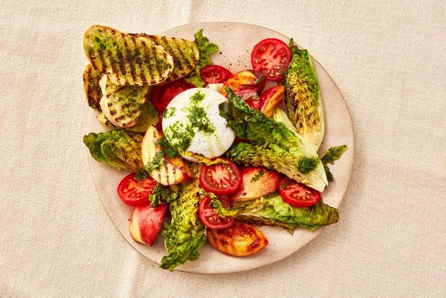 Salade met gegrilde nectarine en burrata