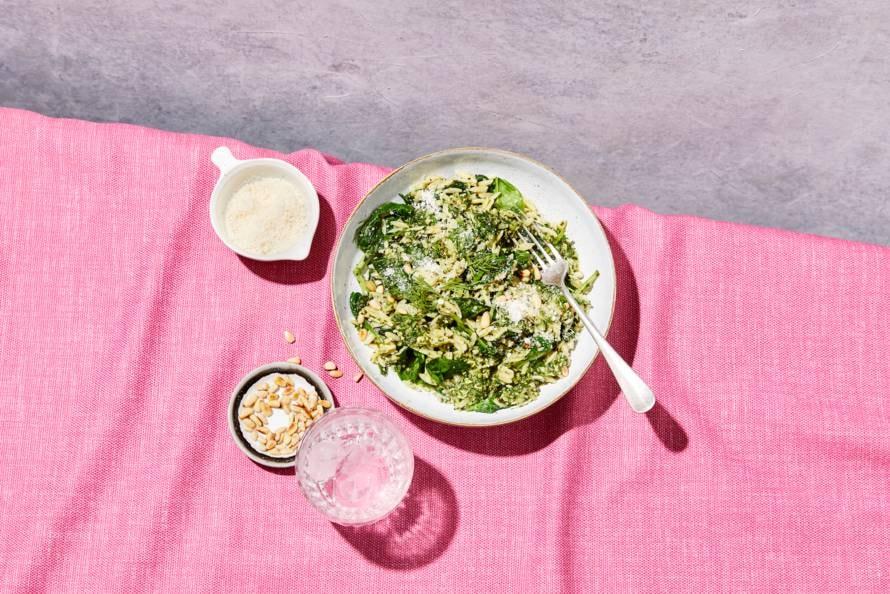 Orzo met spinazie en kruiden