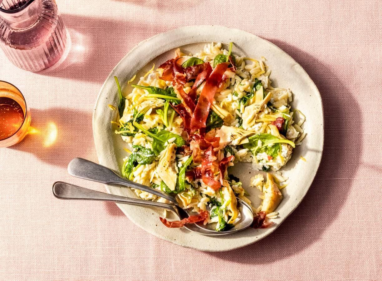 Salade van orzo, ricotta, spinazie en prossciutto
