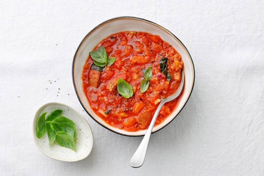Tomaat-broodsoep met basilicum (pappa al pomodoro)