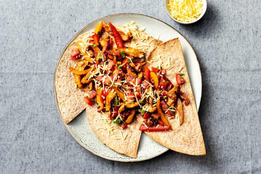Volkorentortilla's met kip en paprika