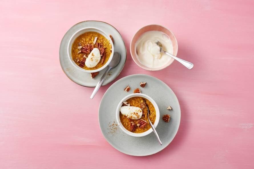 Pumpkin spice baked oats