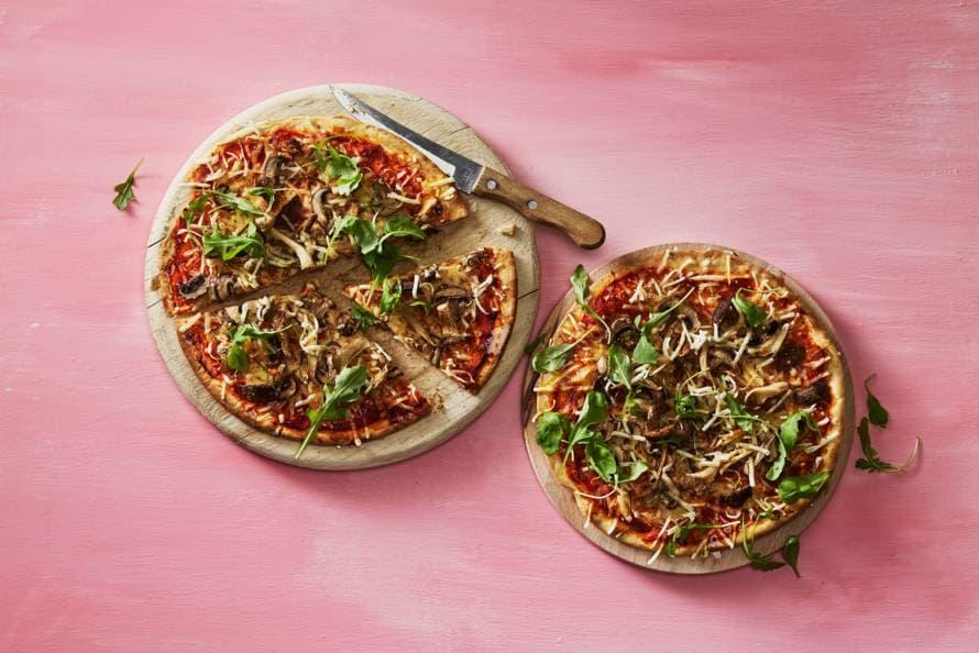 Vegan pizza funghi