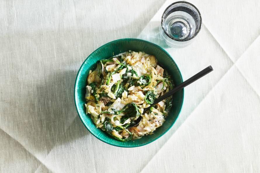 Orzo met kalkoen, spinazie en geitenkaas