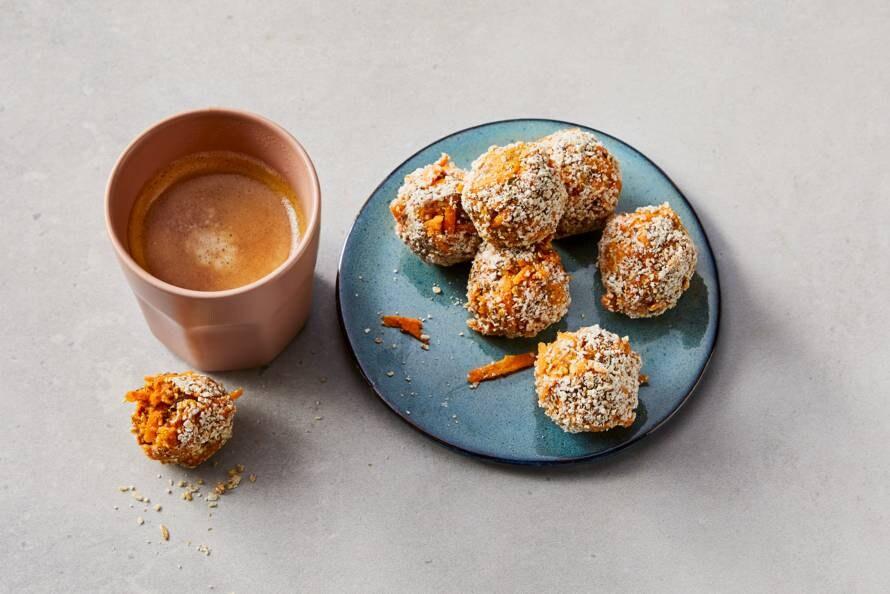 No bake carrotballs met dadels